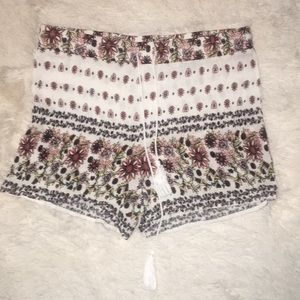❤️ 2 for $20❤️ Size medium Cato shorts
